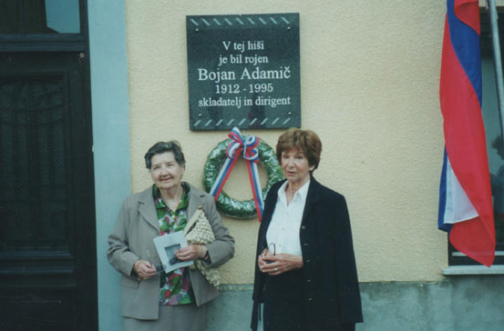 At the unveiling of a memorial tablet. Left – his sister Antonija Adamič–Levart; right, his wife Barbara Adamič.