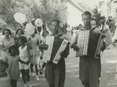 S harmoniko, leta 1935