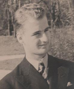 Bojan Adamič leta 1934.